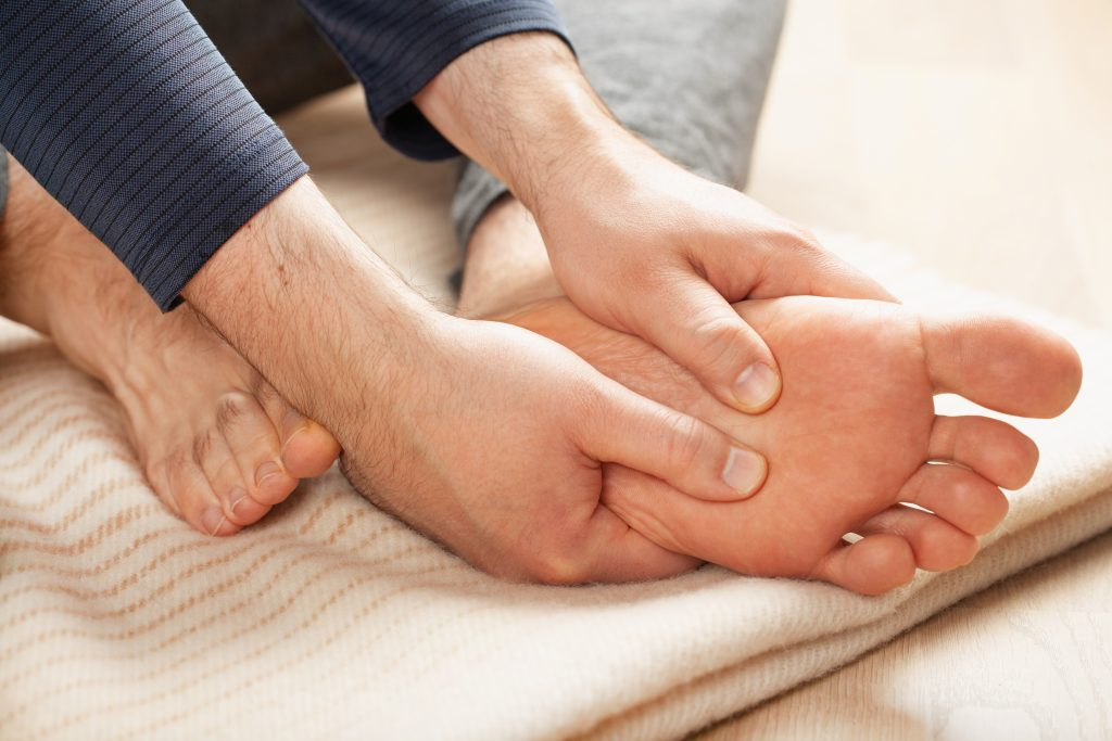Flat feet: tips to exercise without pain