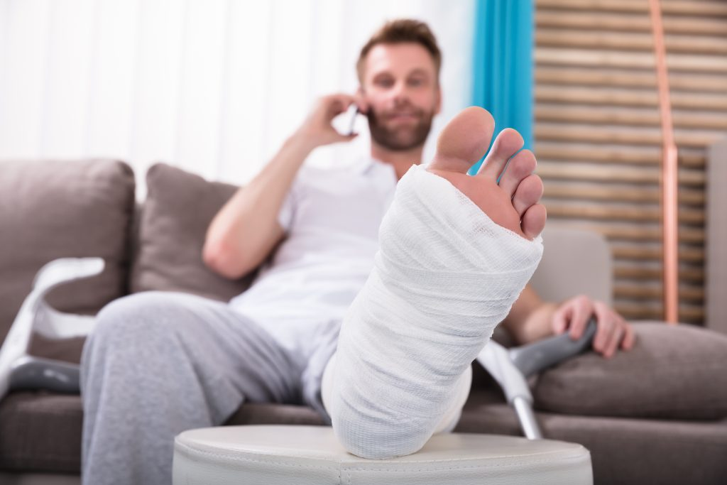 5 sports you can play despite having a broken foot in a cast